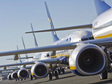 """Kompanija """"Ryanair"""" dėl pilotų streikų atšaukia 600 skrydžių"""